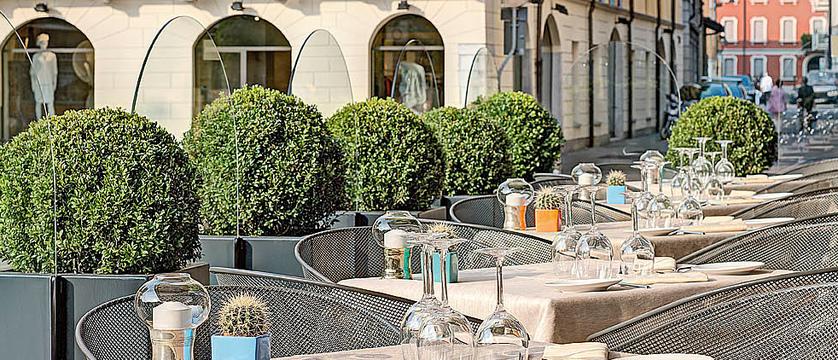 Barchetta restaurant terrace.jpg